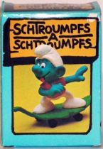 40204 Smurf with leaf-skate (Mint in Box)
