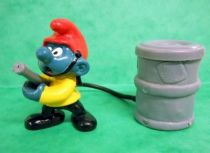 40216 Smurf firemen (yellow jacket & red hat)