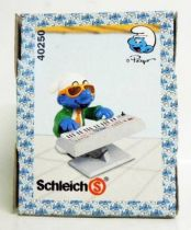 40250 Smurf with electronic keyboard (Mint in New Look Box)