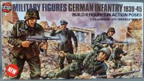 Airfix 04582-9 Multipose Military 6 Figures WW2 German Infantry 1939-455 1:32 Mint in 1976 Box