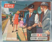 Airfix 1:72 S42 Station Accessories Loose with Type 3 Box