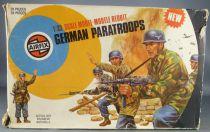 Airfix 51467- 7 1:32 WW2 German Paratroops 1975 New Target box