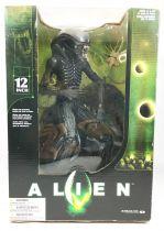 Alien - McFarlane Toys Movie Maniacs - Alien 30 cm