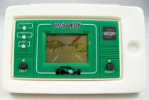 Altic LCD Game (Centre Auto Feu Vert) - Handheld Game & Watch - Highway 05