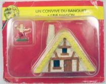 Asterix - Editions ATLAS - Le Village - n°48  Un convive du banquet + une maison