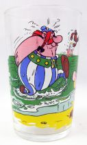 Asterix - Mustard glass Amora 1968 - Asterix and Obelix on the beach
