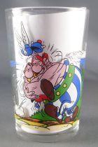Asterix - Verre Amora Série avec © - Asterix dans les bras d\'Obelix