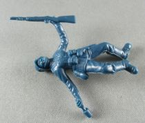 Atlantic 1:32 WW2 2101 German Infantry Crawling with Grenade & Rifle
