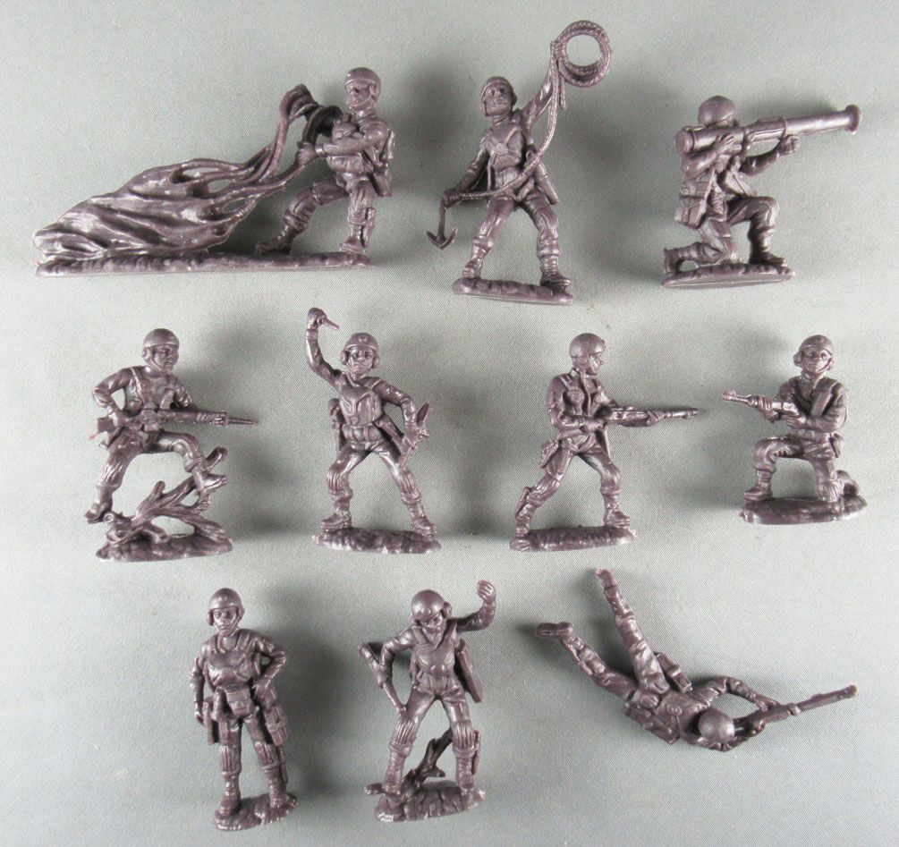 Atlantic 1:32 WW2 2112 Paratroopers Mint in Box