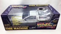 "Back to the Future Part.II - Diamond Select Toys Delorean \""Frozen\"" 1/15 Scale Time Machine (Light & Sound Effects) - Limited Edi"