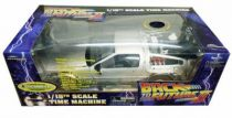 Back to the Future Part.II - Diamond Select Toys Delorean 1/15 Scale Time Machine (Light & Sound Effects) - Limited Edition EE E
