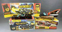 Batman - Corgi Ref.267/107 - Batmobile \'\'1ère version\'\' (1967) + Batboat 1/36ème (occasion en boite repro)