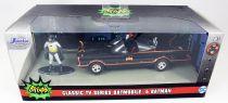 Batman (Classic TV Series) - Jada - 1:32 scale die-cast Batmobile with Batman figure