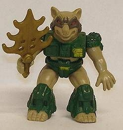 Battle Beasts - #39 Dragoon Racoon (loose with weapon)