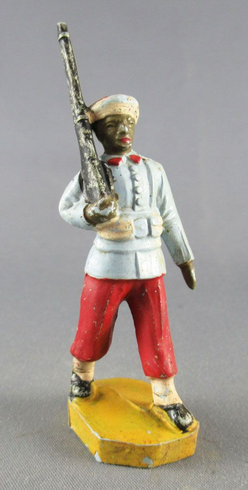 Beffoid - French Colonial Army - Enlisted Infantry Red Pants Marching Black Rifle Shoulder