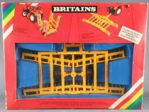 Britains - Agricole - Matériel Brise Mottes à Bras Articulé Neuf en boite (réf 9552)