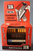 Britains - The Farm - Implement Feed Manager (ref 1715) (Mint in Box)
