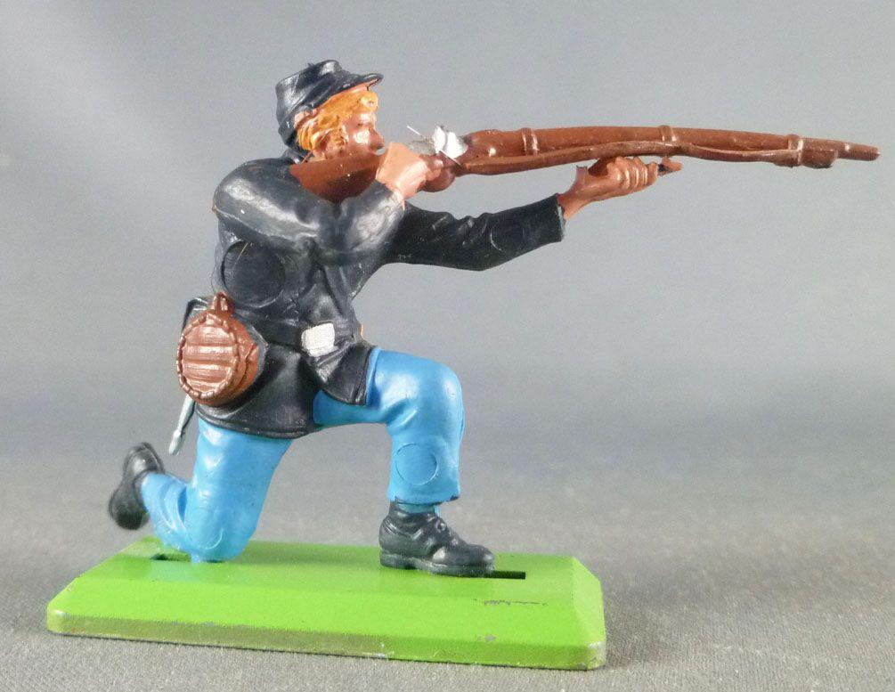 Britains Deetail - Federate - Footed Firing Kneeling Rifle