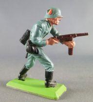 Britains Deetail - WW2 - Allemand - 1ère série Avançant Mains sur mitraillette (écusson casque)