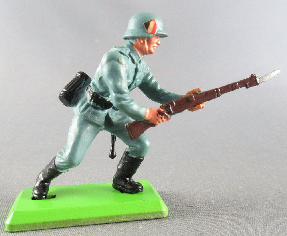 Britains Deetail - WW2 - Allemand - 1ère série chargeant Baïonnette Etat Neuf