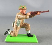 Britains Deetail - WW2 - English - Kneeling Firing Rifle Mint Condition