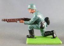 Britains Deetail - WW2 - German - 1st series kneeling firing M-G from hip