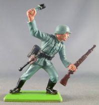 Britains Deetail - WW2 - German - 1st series Rifle & Grenade