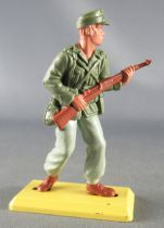Britains Deetail - WW2 - German - Afrika Corps advancing with rifle Mint Condition
