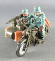 Britains Deetail - WW2 - German - Vehicle Incomplete Dispatch rider with side car (ref 9681)