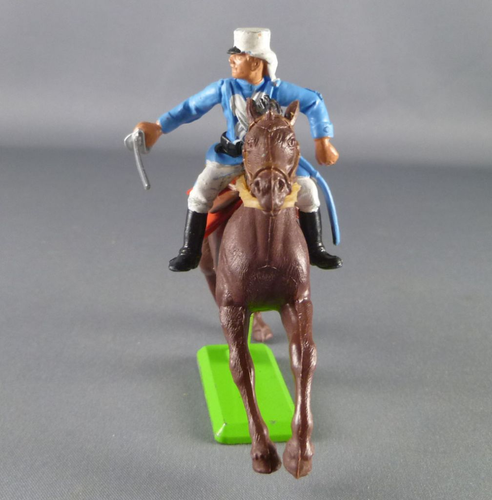 britains_deetail_legion_etrangere_francaise_cavalier_regardant_a_droite_chargeant_sabre_sur_le_cote_cheval_brun_galop_2