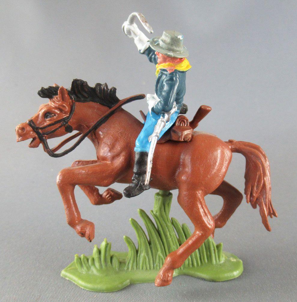 Britains Herald - 7ème de Cavalerie U. S. - Cavalier Officier cheval marron 2