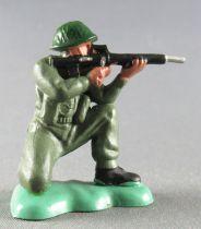 Britains Herald - Khaki Infantry - Firing kneeling