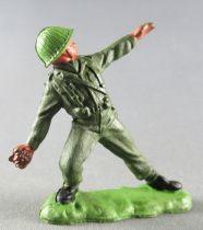Britains Herald - Khaki Infantry - Grenade thrower