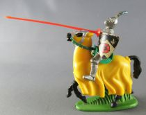 Britains Herald - Middle-Ages - Mounted Knight Jousting red lance
