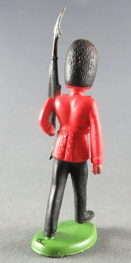 Britains Herald Regimental Soldier Guard marching rifle on left shoulder 1
