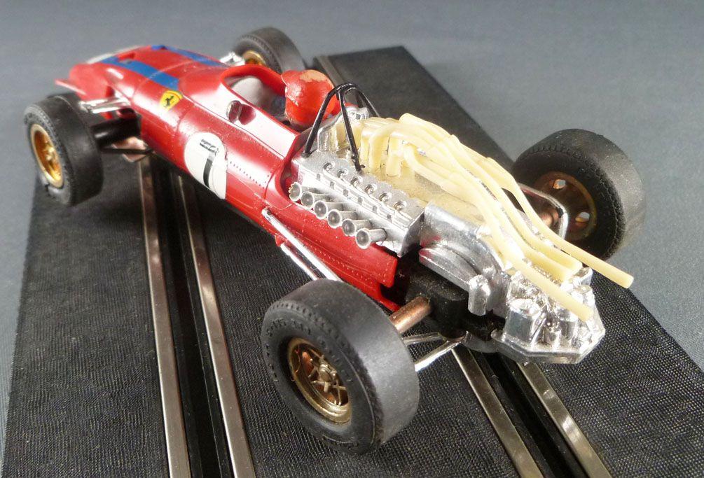 Carrera Universal 40405 - Ferrari F1 Spaghetti Rouge N°7 Bandes Bleues