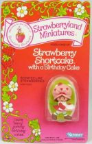 Charlotte aux fraises - Figurine pvc neuve en blister - Charlotte et le gâteau d\'anniversaire