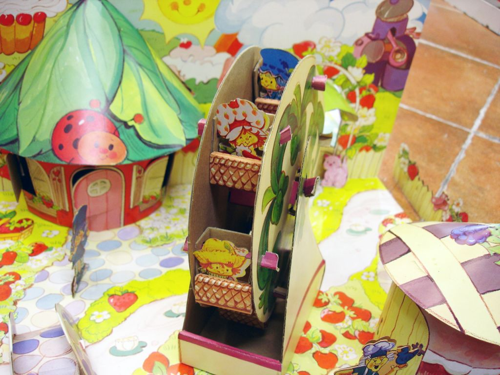 charlotte_aux_fraises___miniatures_play_set___strawberryland_diorama__7_