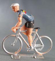 Cofalu (60\'s) -Cyclist (plastic) - Belgium Team standing up