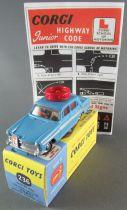 Corgi Toys 236 - Austin  A60 Motor School Car Repeinte Boite Repro 1/43
