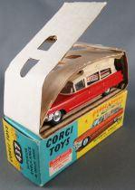 Corgi Toys 437 - Superior Ambulance on Cadillac Chassis with Box & Inserts