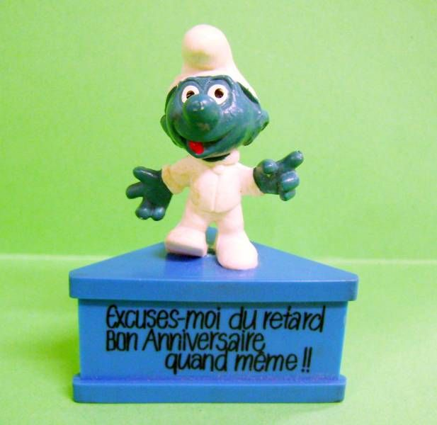 Cosmo Smurf  \'\'Sorry to be late Happy Birthday\'\' (blue base)