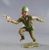 Crescent Toy - WW2 - British Infantry charging with pistol