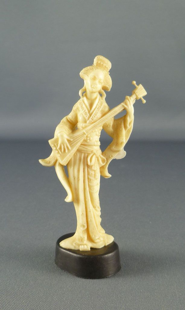 figurine_publicitaire_damoy_maurice_mir_lyons___statuettes_chinoises___chinoise_avec_grande_lyre_1