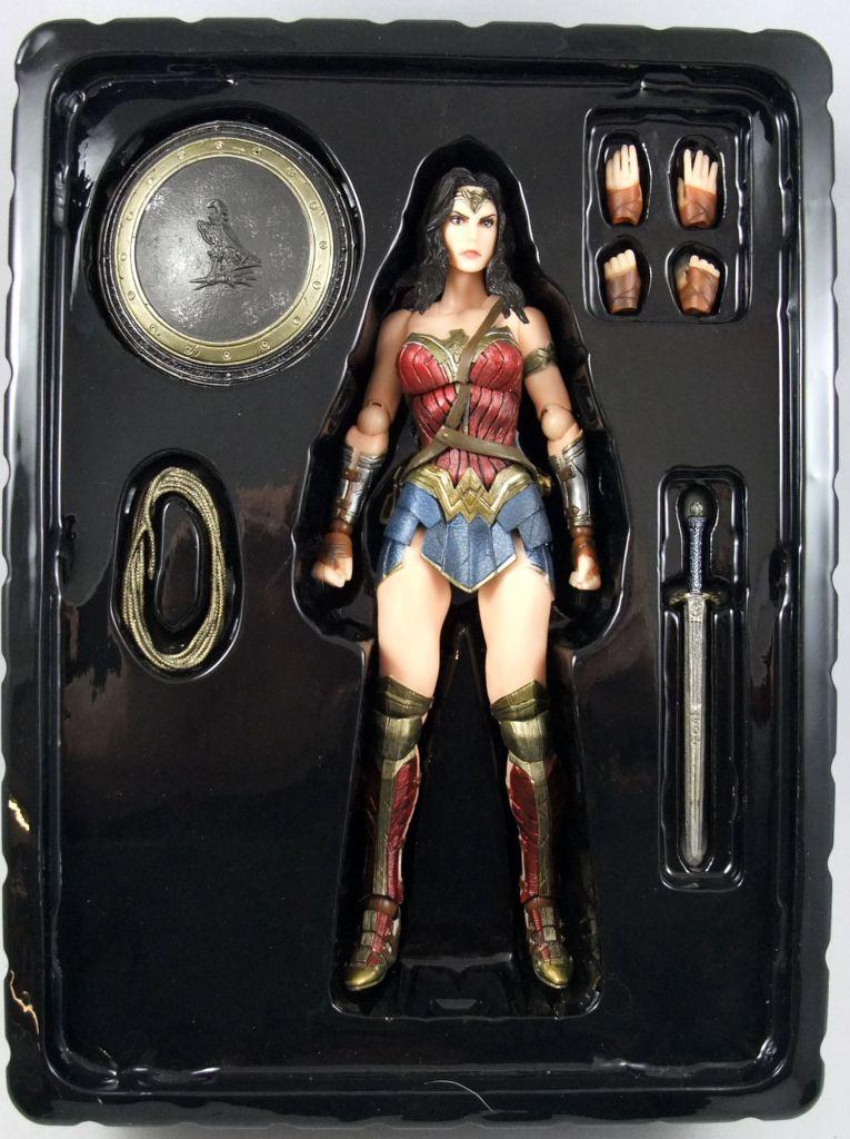 Dawn of Justice - Wonder Woman - Figurine Play Arts Kai - Square Enix