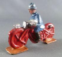 D.C. (Domage & Cie) - Figurine Plomb Creux 45 mm - Moto Rouge Motocycliste Soldat Casque Adrian