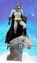 DC Super Heroes - Eaglemoss - #Subscriber Exclusive Batman on top of gargoyle