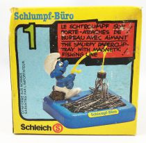 Desktop Smurf (Schlumpf Büro) - Schleich - 53101 Smurfy Paperclip-Tray with Magnetic Fishing Line