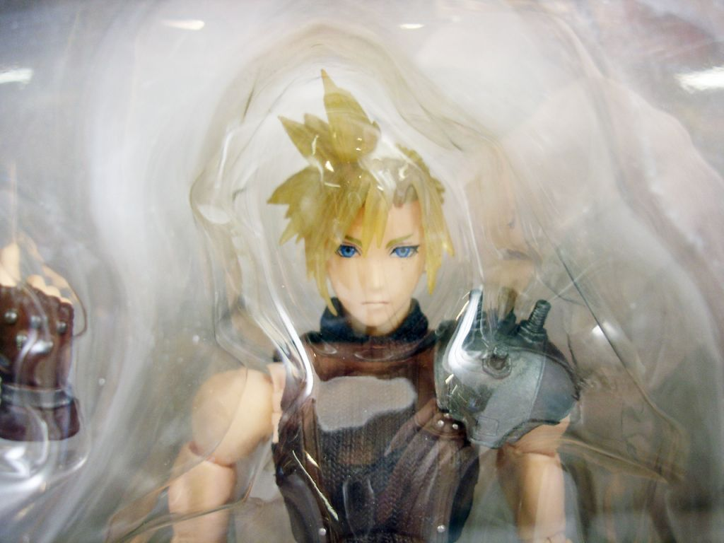 dissidia_final_fantasy___cloud_strife___figurine_play_arts_kai__2_