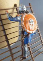 Elastolin - Moyen-âge - Piéton grimpeur à l\'échelle (bleu bandouillere marron) (réf 8832)